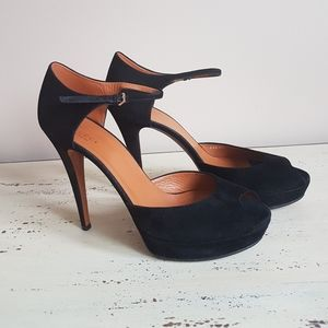 🛍Gucci🛍 Peek toe Suede Sandals